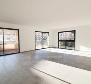 Appartement 4 pièces - Quartier des Etrangers photo #2700